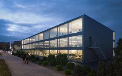 3dkraftwerk-3d-visualisierung-floracenter-neftenbach-aussen-nachtbild